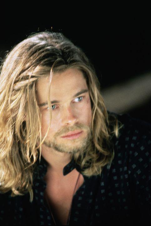 Ein Schicksalsschlag folgt dem nächsten: Tristan (Brad Pitt) beschließt, sich für ein paar Jahre zurückzuziehen ... - Bildquelle: TriStar Pictures
