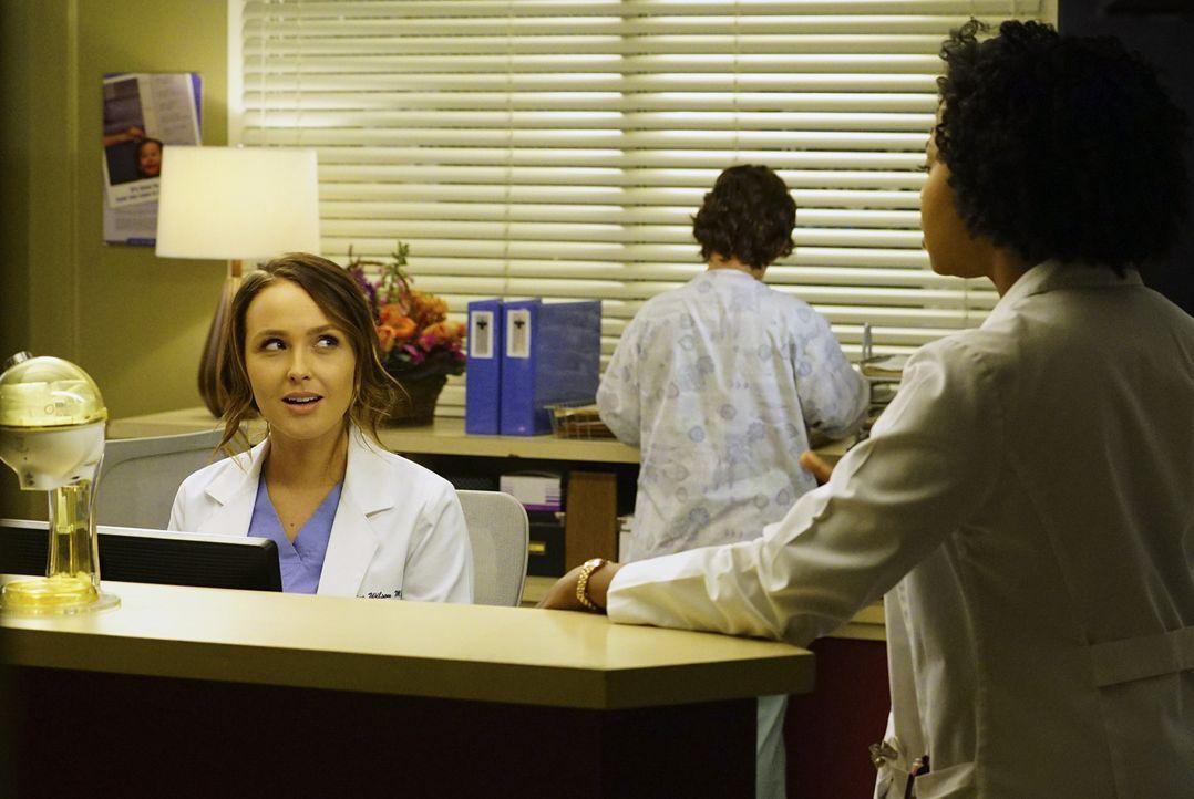 Bewerben sich für den Preminger Grant: Stephanie (Jerrika Hinton, r.) und Jo (Camilla Luddington, l.) ... - Bildquelle: Richard Cartwright ABC Studios