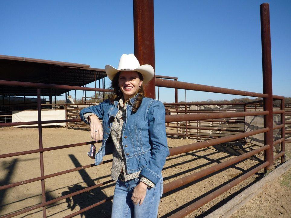 Jacqueline Hattenbach (47) und Arnold Wehr (53) sind ein Liebespaar - allerdings trennen die beiden rund 10.000 Kilometer. Jacqueline lebt in Texas,... - Bildquelle: kabel eins