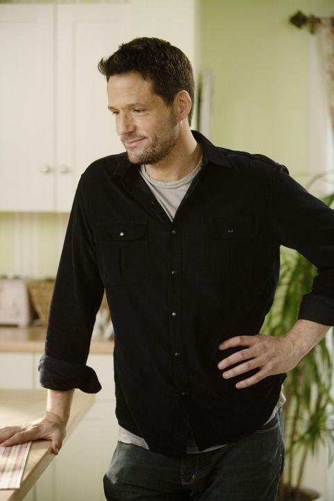 Grayson (Josh Hopkins) ist fest davon überzeugt, dass alle Jungs nur mit Jules befreundet waren, weil sie hofften, irgendwann mit ihr schlafen zu k... - Bildquelle: 2009 ABC INC.