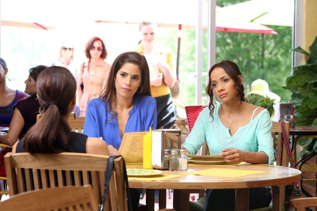Wollen den Mörder von Flora endlich finden: Marisol (Ana Ortiz, M.), Rosie (Dania Ramirez, r.), Carmen (Roselyn Sanchez, l.) und Zoila ... - Bildquelle: ABC Studios
