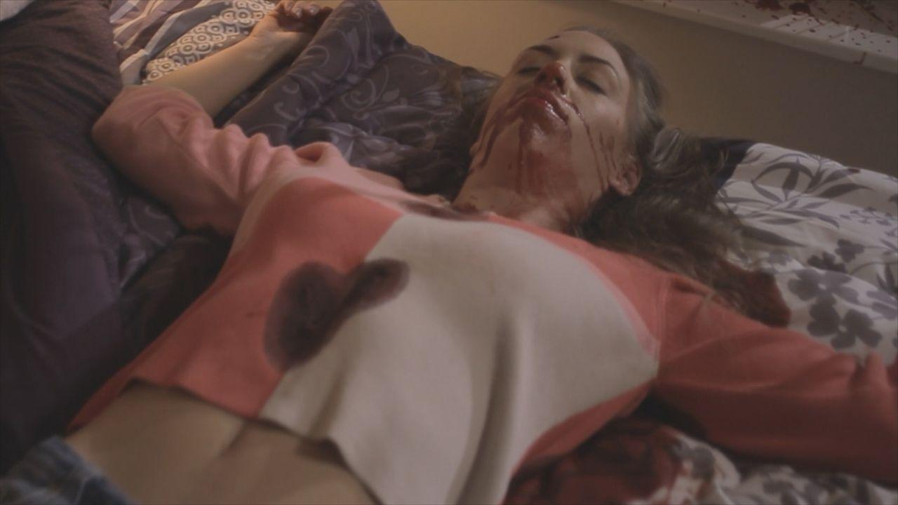 Ein zweiter Mordfall beschäftigt Lt. Joe Kenda (Carl Marino): Eine junge Mutter wird in ihrem Schlafzimmer erschossen. Wer hat sie auf dem Gewissen? - Bildquelle: Jupiter Entertainment
