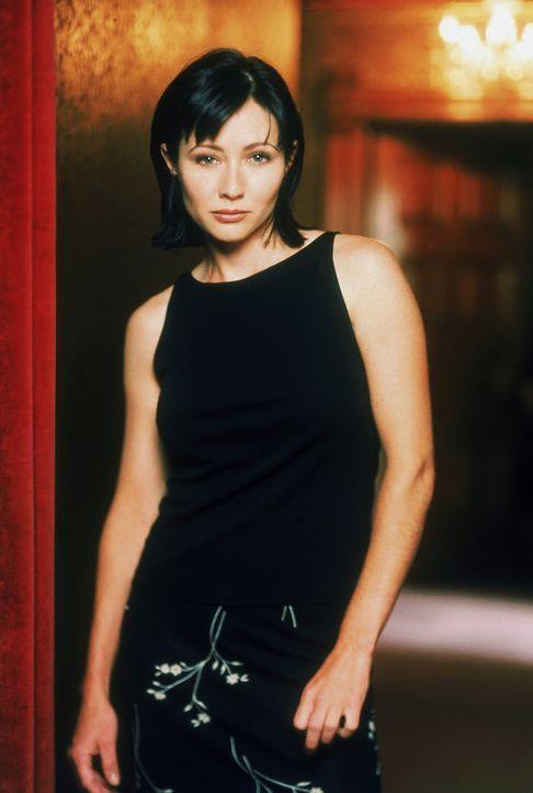(1. Staffel) - Prue Halliwell (Shannen Doherty) ist in einer verzwicken Lage: Nach sieben Jahren hat sie ihre alte Jugendliebe, Andy Trudeau, wieder... - Bildquelle: Paramount Pictures