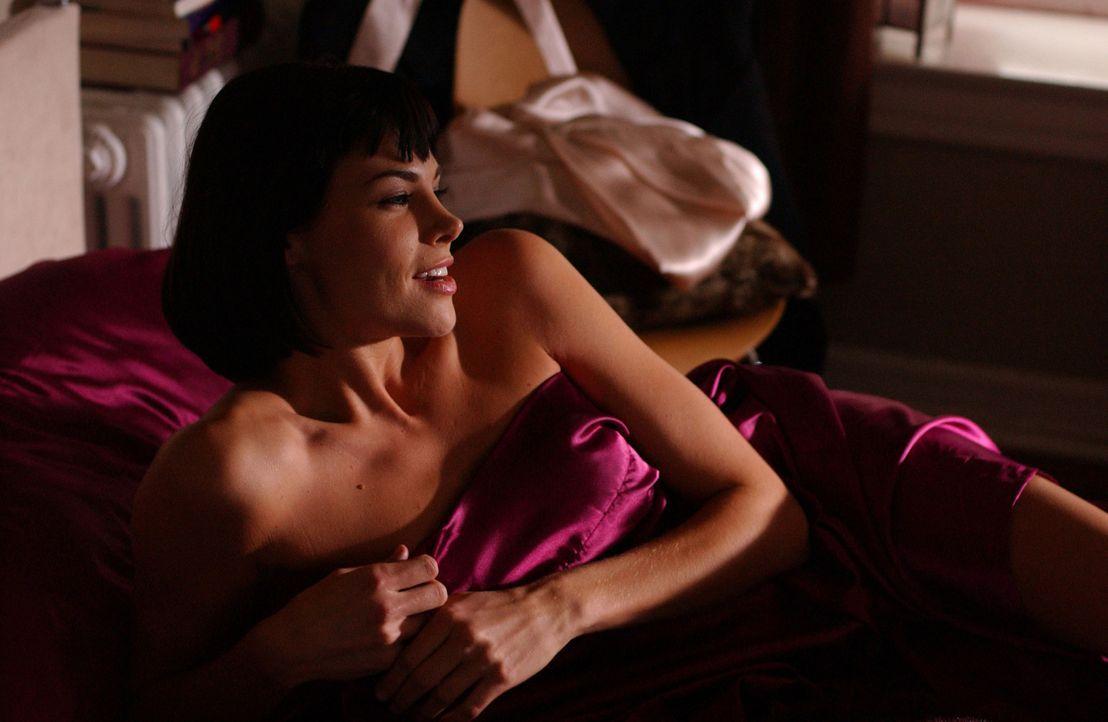 Jan (Brooke Burns) ist eigentlich Hollys Freundin. Als diese von einer Geschäftsreise zurückkommt, erwischt sie Jan im Bett mit ihrem Freund David. - Bildquelle: 2005 Sony Pictures Home Entertainment Inc. All Rights Reserved.