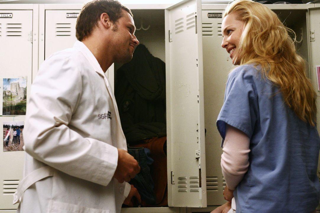 Izzie (Katherine Heigl, r.) hat sich die der Abstinenz zu Alex (Justin Chamber, l.) geschworen, doch wird sie standhaft bleiben? - Bildquelle: Touchstone Television