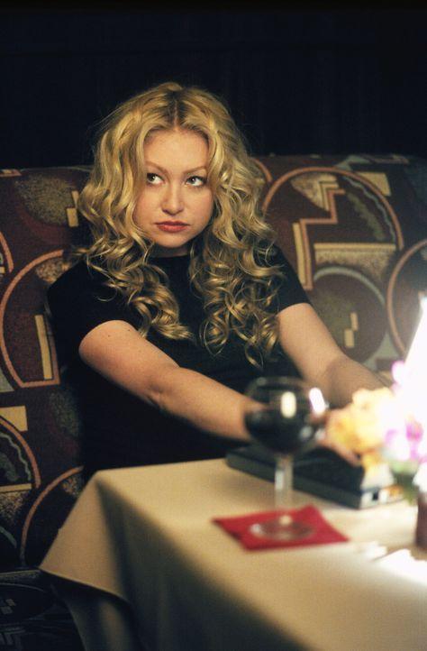 In der Kanzlei ist immer etwas los, davor kann auch Nelle (Portia de Rossi) sich nicht schützen ... - Bildquelle: 2001 Twentieth Century Fox Film Corporation. All rights reserved.