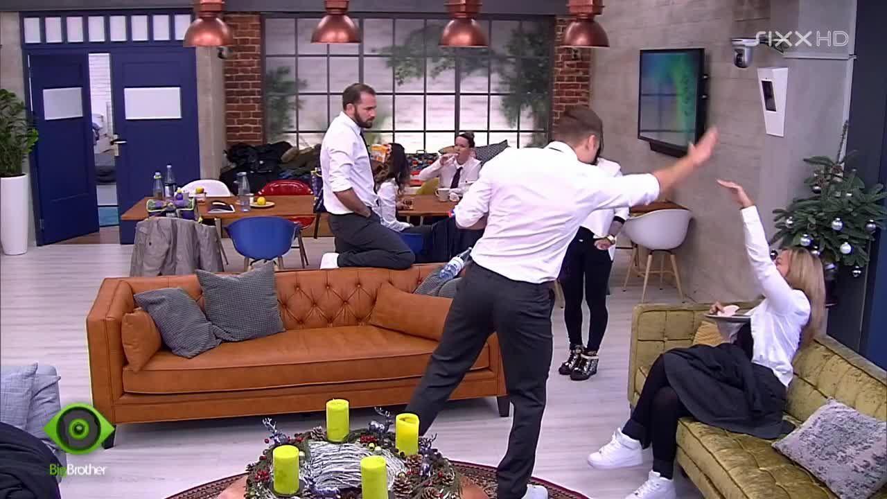 Chris und Beate feiern sich - Bildquelle: sixx