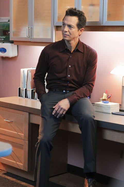 Bietet Amelia seine Unterstützung an als er vermutet, dass sie rückfällig werden könnte: Jake (Benjamin Bratt) ... - Bildquelle: ABC Studios