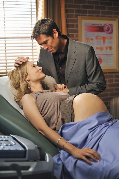 Amy (Bess Wohl, l.) ahnt nicht, dass ihr Mann Daniel (Alexis Denisof, r.) ein Geheimnis hat ... - Bildquelle: ABC Studios