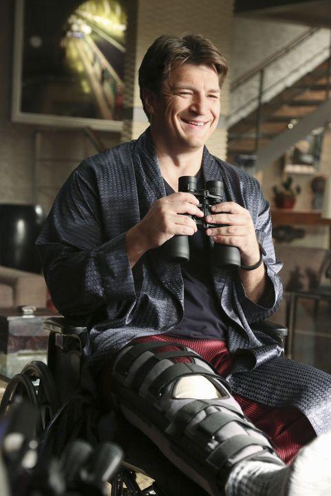 Nach einem Skiunfall ist Castle (Nathan Fillion) an seine Wohnung gefesselt und langweilt sich fast zu Tode ... - Bildquelle: ABC Studios