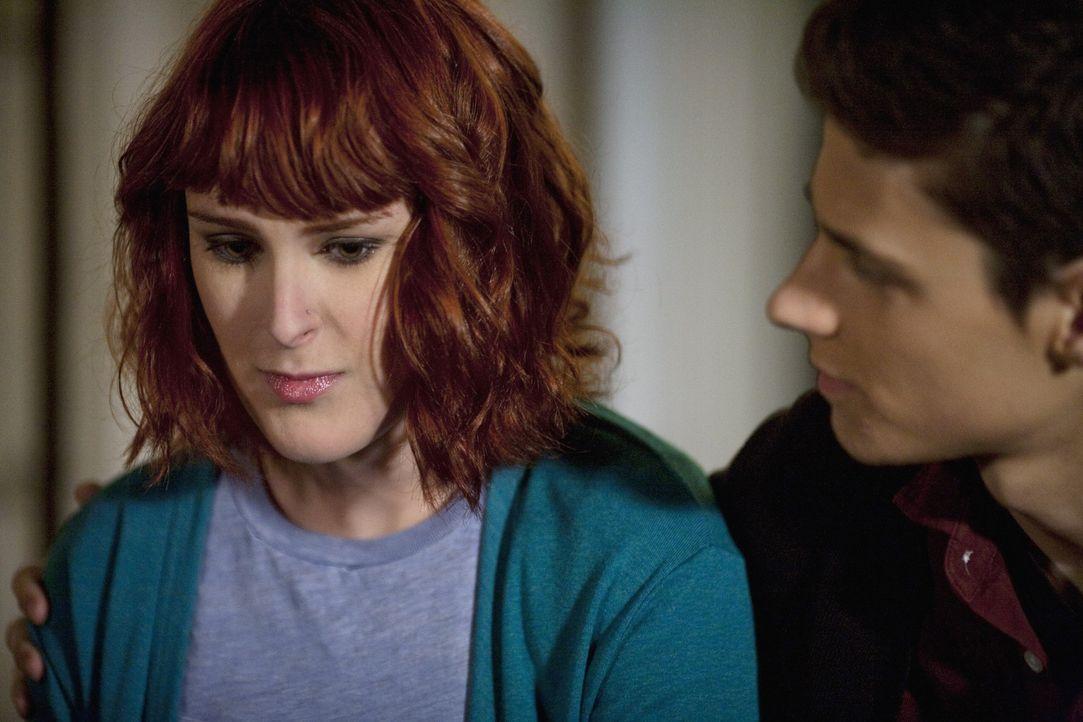Die schwangere Heather (Rumer Willis, l.) sucht einen Freund zum Reden und wendet sich deshalb an Ben (Ken Baumann, r.) ...