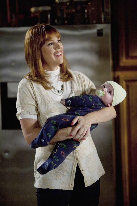 Wird Anne (Molly Ringwald) zu ihrer Familie zurückkehren? - Bildquelle: Randy Holmes 2009 Disney Enterprises, Inc. All rights reserved.