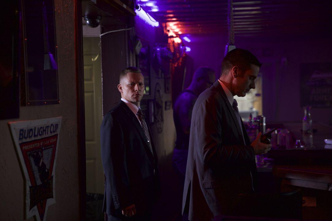 Wollen den Mörder der 37-jährigen Mary Moebus endlich finden: Lieutenant Joe Kenda (Carl Mariono, r.) und sein Team - Bildquelle: Jupiter Entertainment.
