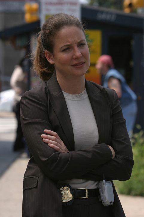 Was war die wirkliche Todesursache der im Jahre 1999 verstorbenen Amy Lind? Anna (Robin Weigert) geht der Sache auf den Grund ... - Bildquelle: Warner Bros. Television