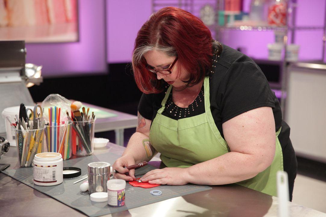 """Wie wird sich die Bäckerin Donna Lawson bei der Challenge zum Thema """"Super Mario"""" schlagen? - Bildquelle: 2015, Television Food Network, G.P. All Rights Reserved"""