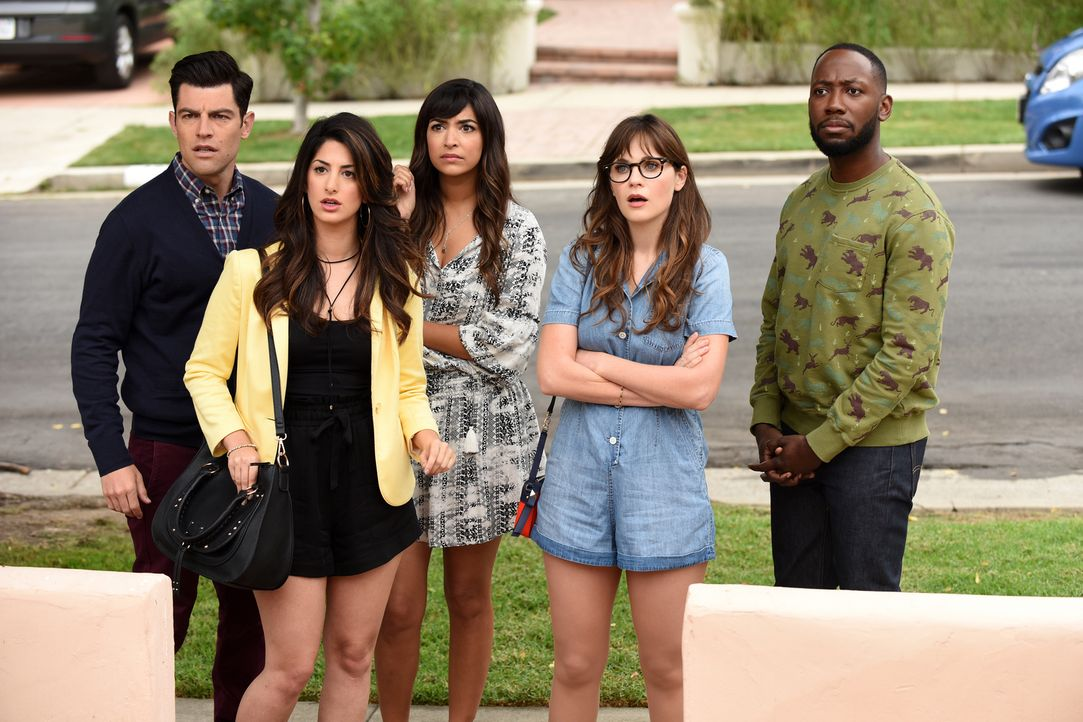 Auf Schmidt (Max Greenfield, l.), Leslie (Ayden Mayeri, 2.v.l.), Cece (Hannah Simone, M.), Jess (Zooey Deschanel, 2.v.r.) und Winston (Lamorne Morri... - Bildquelle: 2017 Fox and its related entities.  All rights reserved.