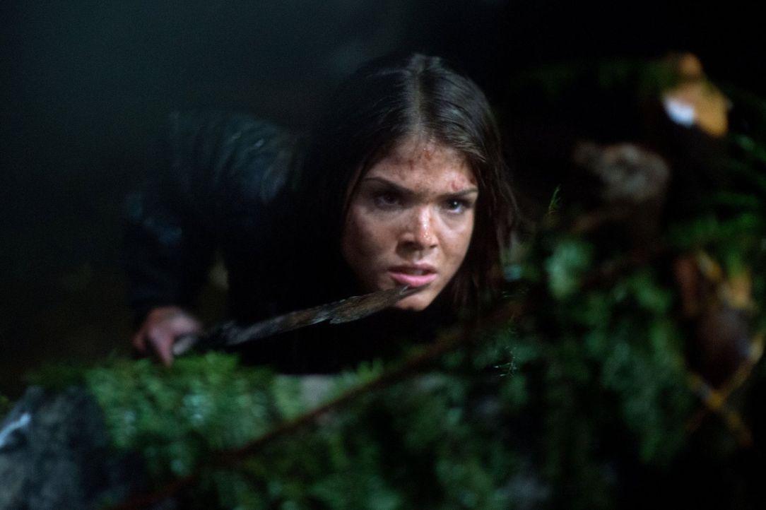 Für Octavia (Marie Avgeropoulos) ist klar: Sie ist eine Erdenbewohnerin und wird für ihr Recht, auf dieser Erde zu leben, kämpfen ... - Bildquelle: Warner Brothers