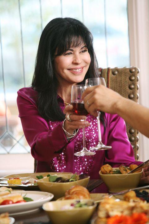 Hat eine Idee, vor der Gabrielle überhaupt nicht begeistert ist: Lucia (Maria Conchita Alonso) ... - Bildquelle: 2005 Touchstone Television  All Rights Reserved