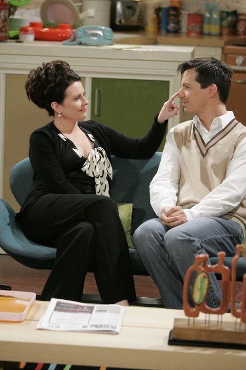Jack (Sean Hayes, r.) braucht er einen neuen Job. Karen (Megan Mullally, l.) überlistet ihn zu einem Casting, das er trotz - oder vielleicht auch we... - Bildquelle: Chris Haston NBC Productions