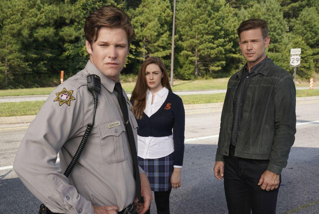(v.l.n.r.) Matt Donovan (Zach Roerig); Hope Mikaelson (Danielle Rose Russell); Alaric Saltzman (Matt Davis) - Bildquelle: Quantrell Colbert 2018 The CW Network, LLC. All Rights Reserved. / Quantrell Colbert