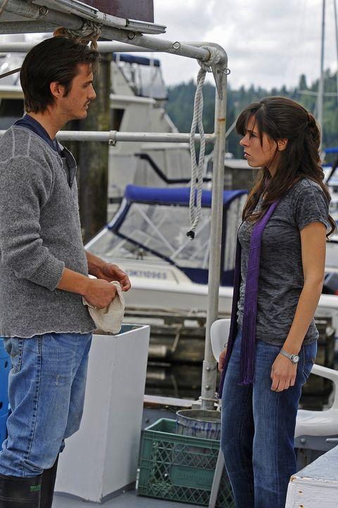 Abby (Elaine Cassidy, r.) hat ein Problem damit, dass Jimmy (C.J. Thomason, l.) alles so auf die leichte Schulter nimmt ... - Bildquelle: 2009 CBS Studios Inc. All Rights Reserved.