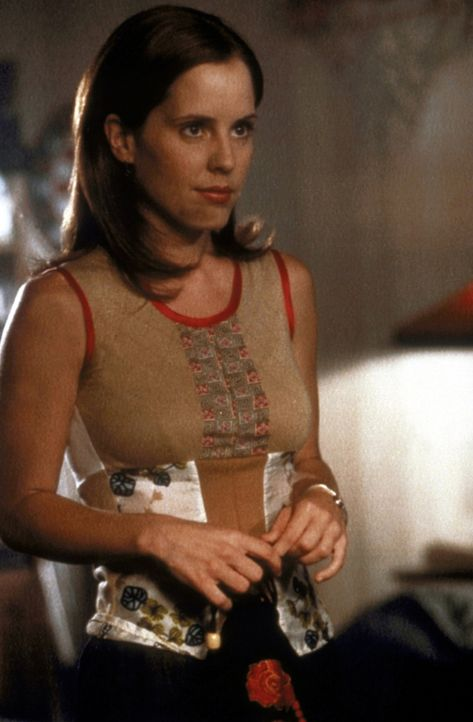 Anya (Emma Caulfield) freut sich auf die bevorstehende Halloween-Party. - Bildquelle: TM +   2000 Twentieth Century Fox Film Corporation. All Rights Reserved.