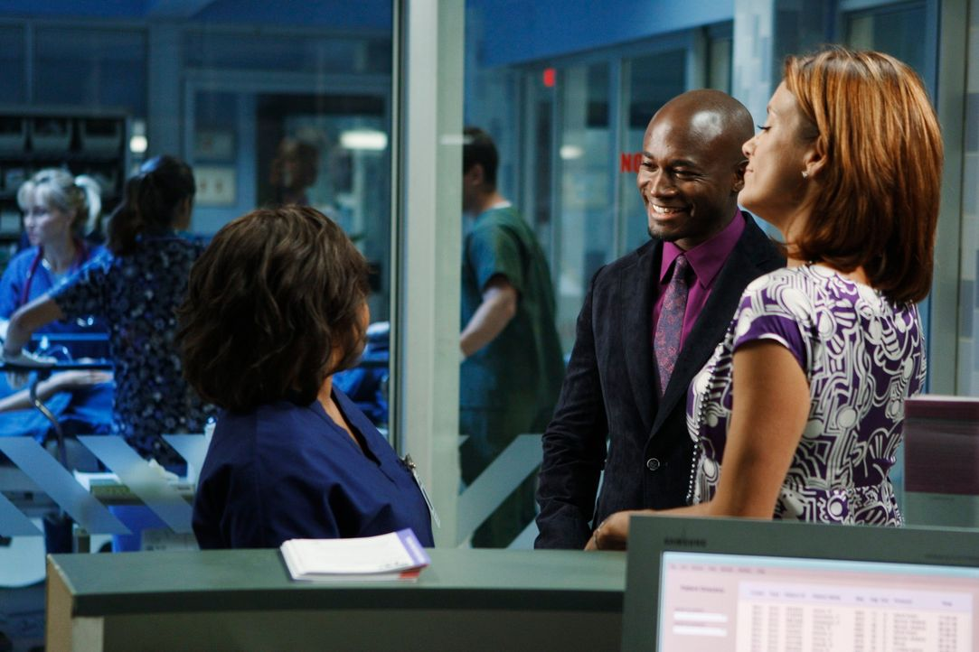 Während Sheldon einen Vaterschaftstest möchte, treffen Miranda (Chandra Wilson, l.), Addison (Kate Walsh, r.) und Sam (Taye Diggs, M.) im Krankenhau... - Bildquelle: ABC Studios