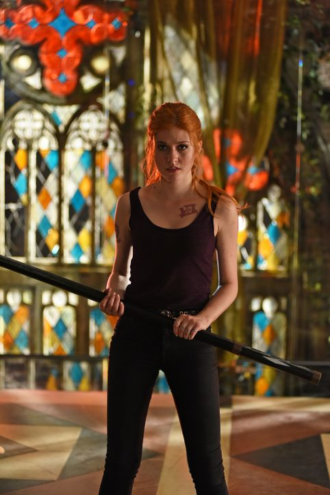 Clary (Katherine McNamara) - Bildquelle: John Medland 2015 Disney Enterprises, Inc. All rights reserved./John Medland