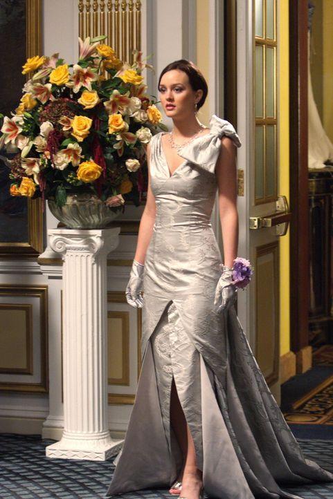 Der Tag ist gekommen: Blair (Leighton Meester) zieht auf dem Ball alle Blicke auf sich, worüber ihr Ex-Freund Nate nicht wirklich erfreut ist ... - Bildquelle: Warner Brothers