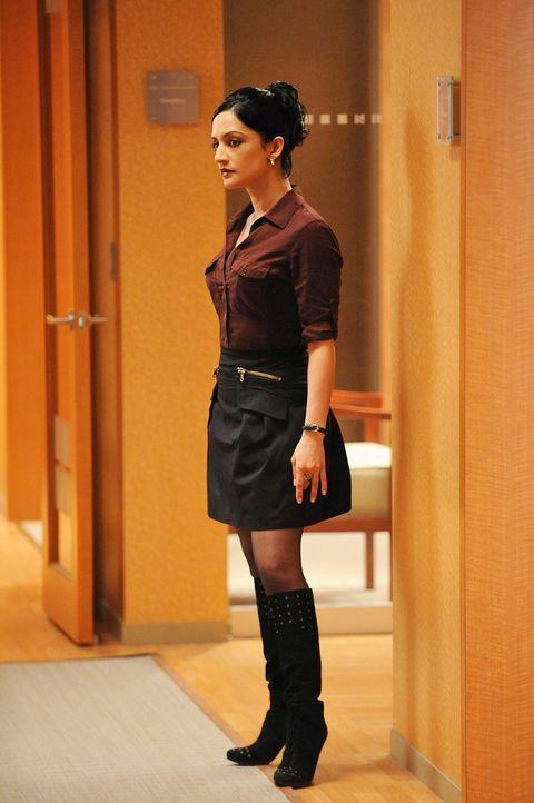 Gibt wertvolle Tipps: Kalinda (Archie Panjabi) ... - Bildquelle: CBS Studios Inc. All Rights Reserved.