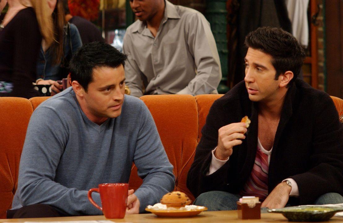 Haben beide ein Date mit unglücklichem Ausgang: Ross (David Schwimmer, r.) und Joey (Matt LeBlanc, l.) ... - Bildquelle: 2003 Warner Brothers International Television