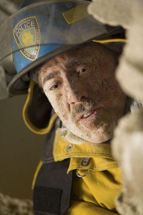 Aus einem Retter wird ein Opfer: John McLoughlin (Nicolas Cage) ... - Bildquelle: TM &   Paramount Pictures. All Rights Reserved.