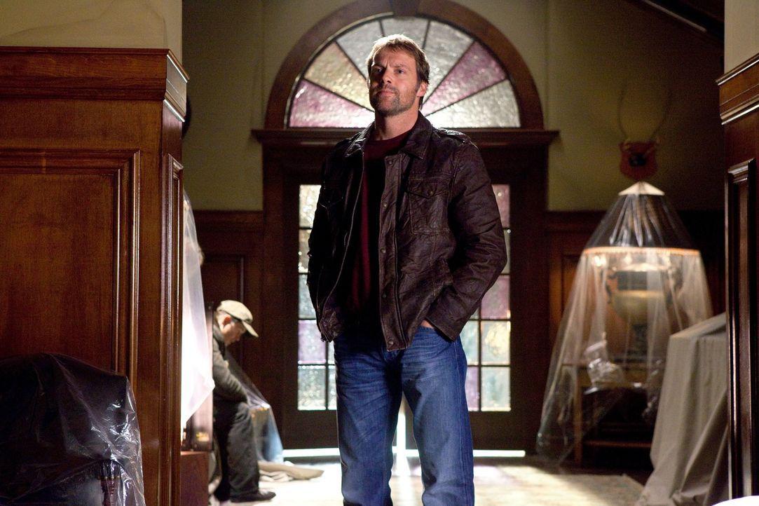 Wird der mächtige Hawkman (Michael Shanks) Clark und der Justice Society of America helfen, Icicle zu stoppen? - Bildquelle: Warner Bros.