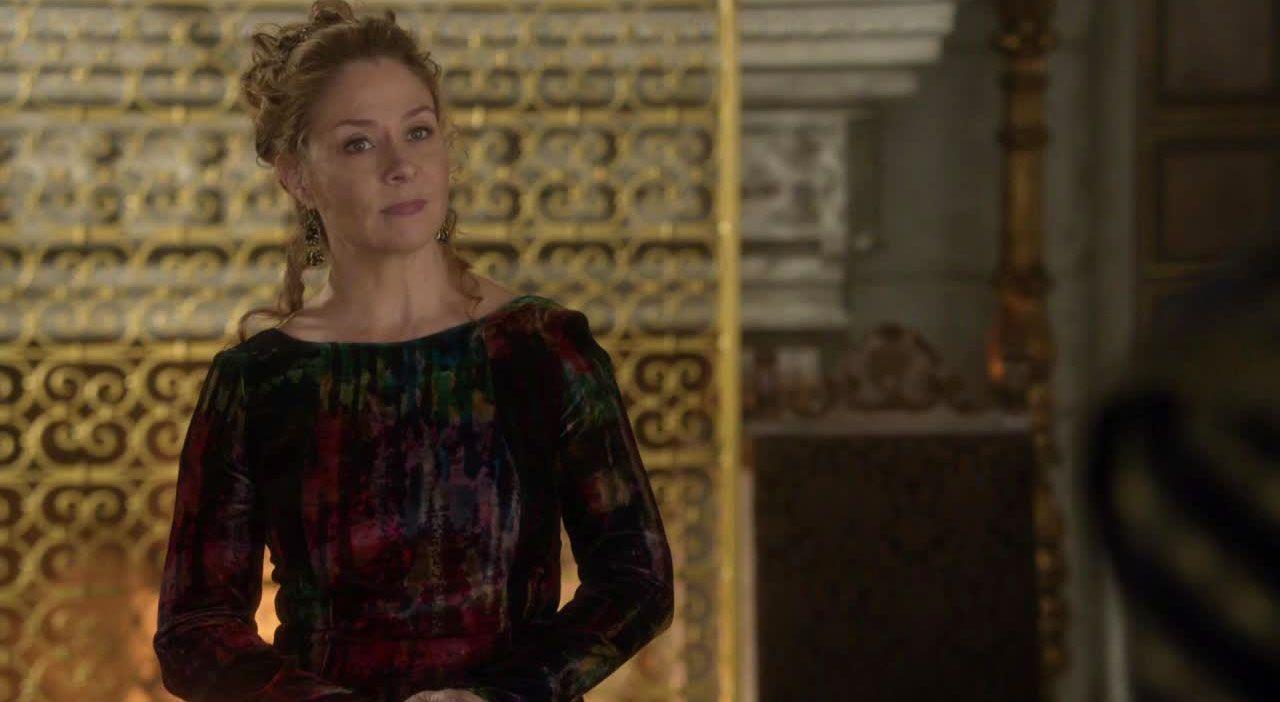 Die Königin ist verwirrt - Bildquelle: 2014 The CW Network. All Rights Reserved.