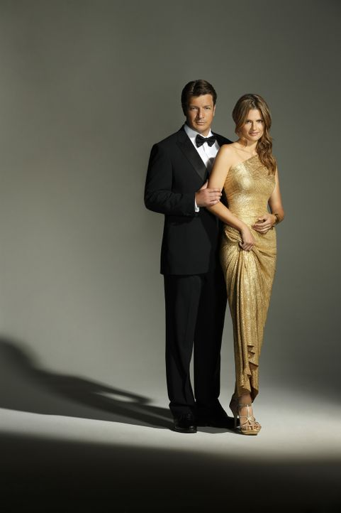 (6. Staffel) - Werden für Kate Beckett (Stana Katic, r.) und Richard Castle (Nathan Fillion, l.) bald die Hochzeitsglocken läuten? - Bildquelle: 2013 American Broadcasting Companies, Inc. All rights reserved.