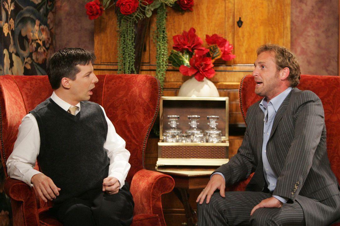 ährend des Gesprächs mit Josh Lucas (Josh Lucas, r.) lädt Jack (Sean Hayes, l.) diesen überstürzt zu seiner Premierenfeier ein, die Karen für ihn or... - Bildquelle: Chris Haston NBC Productions