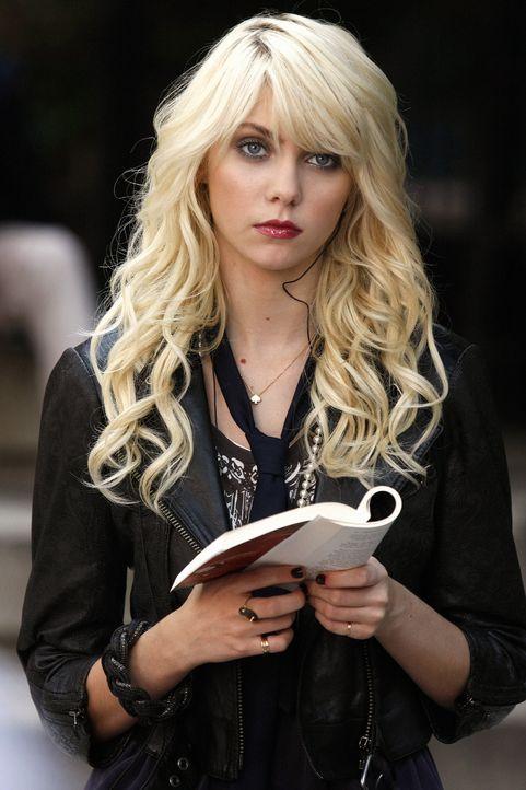 Jenny (Taylor Momsen) hat ein Machtwort gesprochen und die Hierarchie auf der Highschool beendet - wogegen Blair natürlich vorgehen muss ... - Bildquelle: Warner Brothers