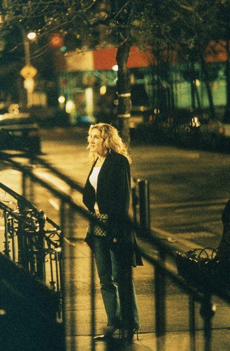 Nachdem Carrie (Sarah Jessica Parker) Aidan wiedergetroffen hat, geht er ihr nicht mehr aus dem Kopf. Ihr wird klar, dass sie einen Neuanfang mit ih... - Bildquelle: Paramount Pictures