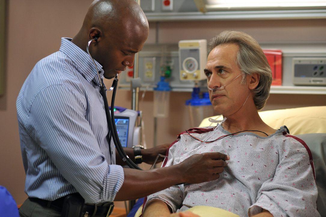 Um die Praxis vor dem Bankrott zu retten, arbeiten Addison und Sam (Taye Diggs, l.) eng zusammen. Von nun an suchen alle Ärzte nach zusätzlichen Pat... - Bildquelle: ABC Studios