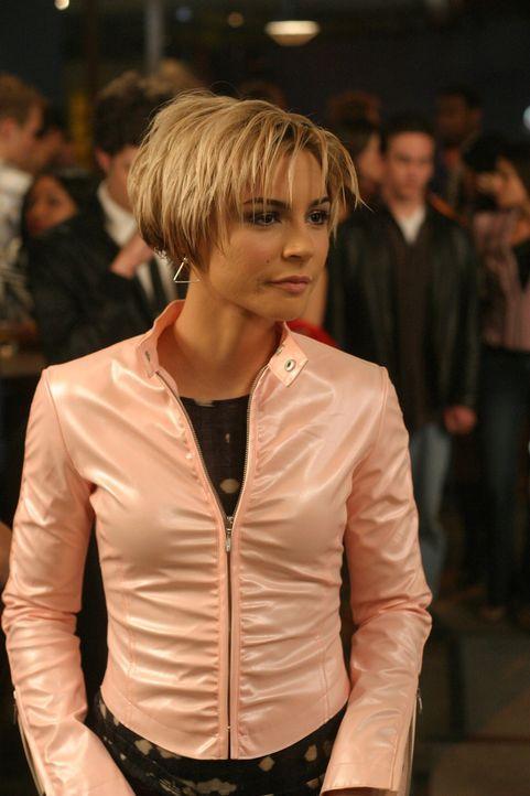 Nach ewigem Hin und Her hat sich Seth nun endlich für Anna (Samaire Armstrong) entschieden ... - Bildquelle: Warner Bros. Television