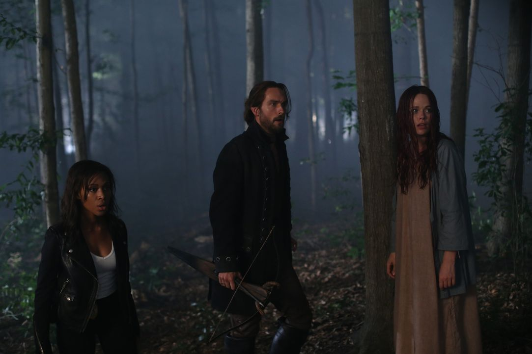 Schließlich wird Ichabod (Tom Mison, M.) bewusst, dass alle, die ihm lieb und teuer sind, in großer Gefahr schweben. Auch Abbie (Nicole Beharie, l.)... - Bildquelle: 2014 Fox and its related entities. All rights reserved.