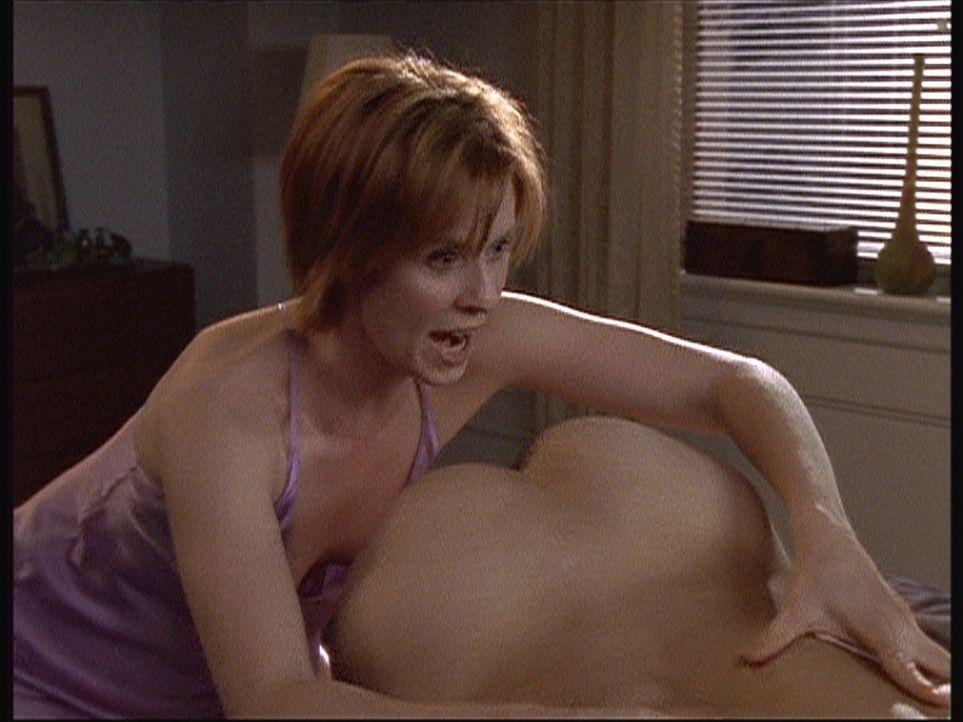 Miranda (Cynthia Nixon) hat einen neuen Liebhaber mit ganz speziellen Wünschen ... - Bildquelle: Paramount Pictures