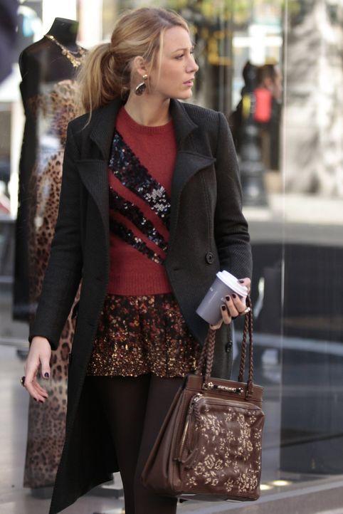Während Lily einen Privatdetektiv engagiert, um Charlie zu finden, verhilft die Abwesenheit von Gossip Girl Serenas (Blake Lively) Blog zu großer... - Bildquelle: Warner Bros. Television
