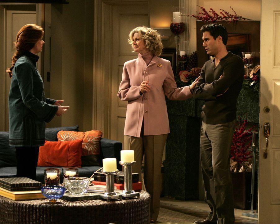 Obwohl Will (Eric McCormack, r.) Grace (Debra Messing, l.) geraten hat, ihren Fehler nicht zu gestehen, kommt Marilyn (Blythe Danner, M.)  dahinter... - Bildquelle: Chris Haston 2003 NBC, Inc. All rights reserved.