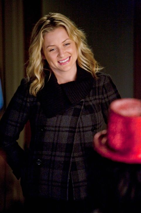 Ahnte nichts von der geplanten Überraschungsparty zu ihrem Geburtstag: Arizona (Jessica Capshaw) ... - Bildquelle: Touchstone Television