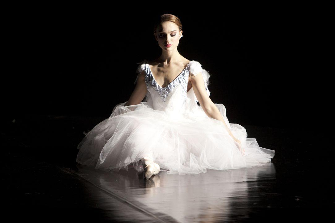 """Die junge Ballerina Nina (Natalie Portman) hat nur einen Traum: Einmal die Hauptrolle in Tschaikowskis """"Schwanensee"""" tanzen zu dürfen. Als die Prima... - Bildquelle: 20th Century Fox"""