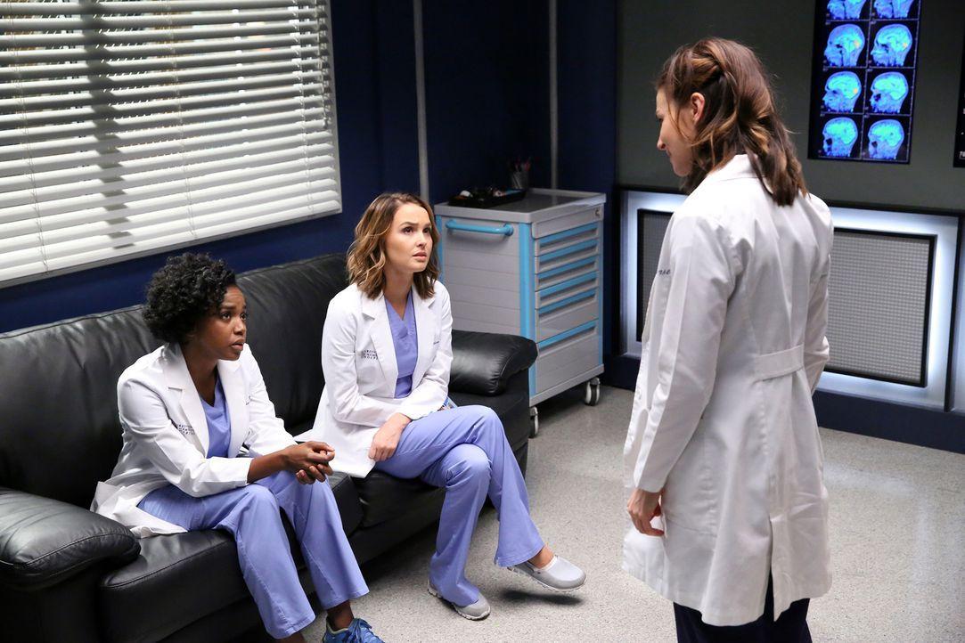 Geraten aneinander: Stephanie (Jerrika Hinton, l.), Amelia (Caterina Scorsone, r.) und Jo (Camilla Luddington, M.) ... - Bildquelle: Adam Taylor ABC Studios