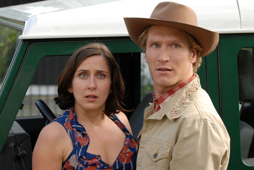 Claudia (Barbara Philipp, l.) und Holger (Matthias Gall, r.) sind in Erklärungsnot. Wie sollen sie Markus beibringen, dass sie ihn betrogen haben? - Bildquelle: Sat.1