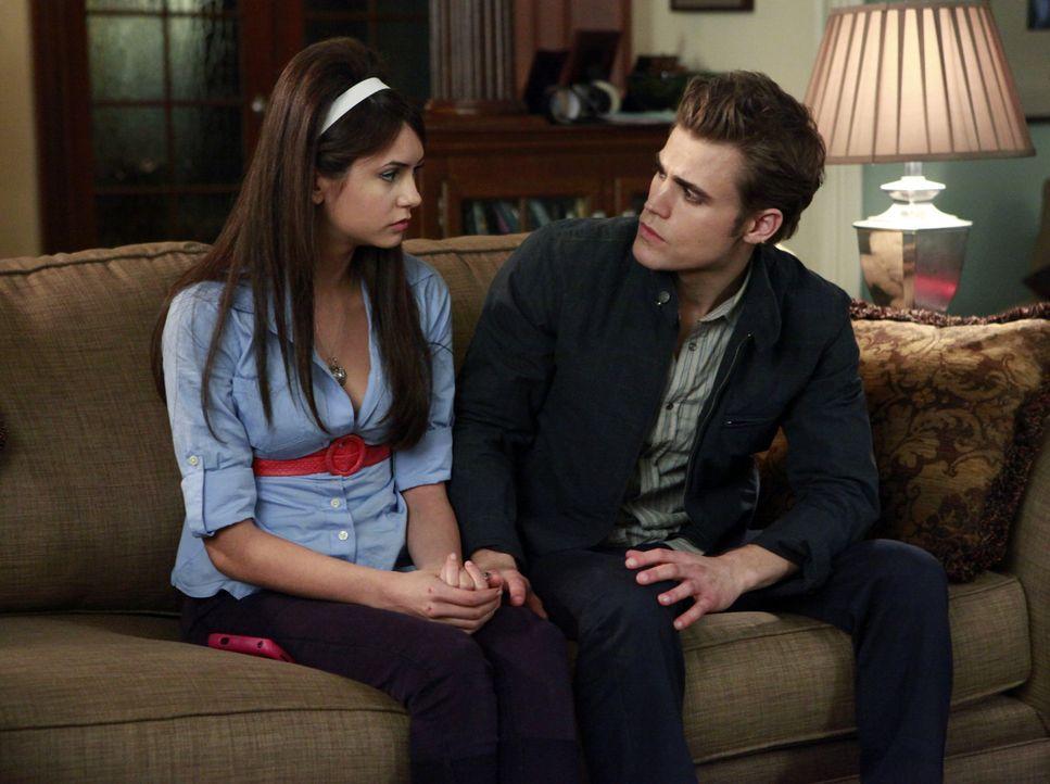 Stefan möchte Elena vor allem schützen - Bildquelle: Warner Bros. Entertainment Inc.