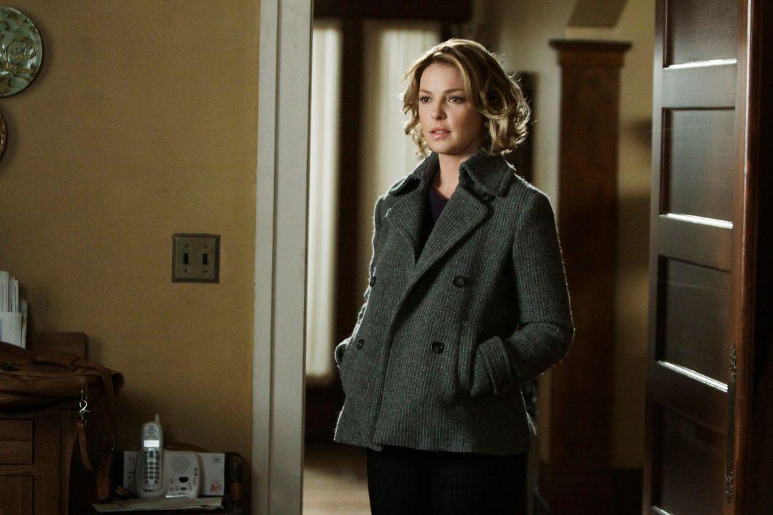 Während sich die Schlinge um Webbers Hals immer weiter zu zieht, kehrt Izzie (Katherine Heigl) zurück ... - Bildquelle: Touchstone Television